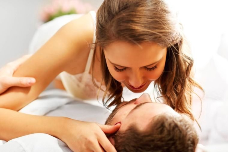 11-kissing-sex_Reasons That Married Couples Should Sleep in Separate Beds 551135923-Kamil-Macniak