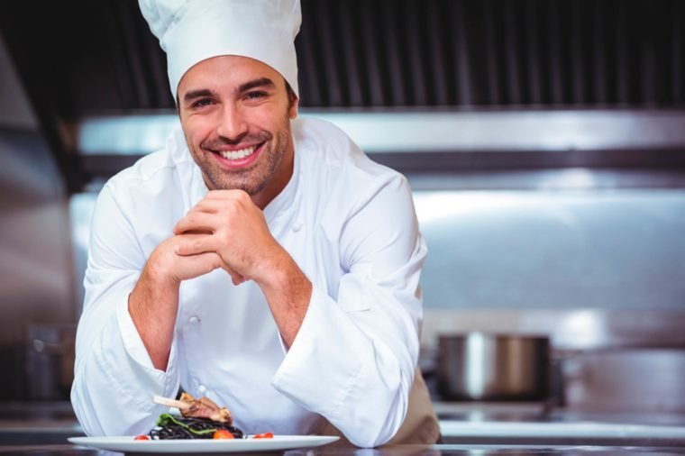 35-chef-Secrets-Your-Waiter-Won't-Tell-You_399217630-wavebreakmedia