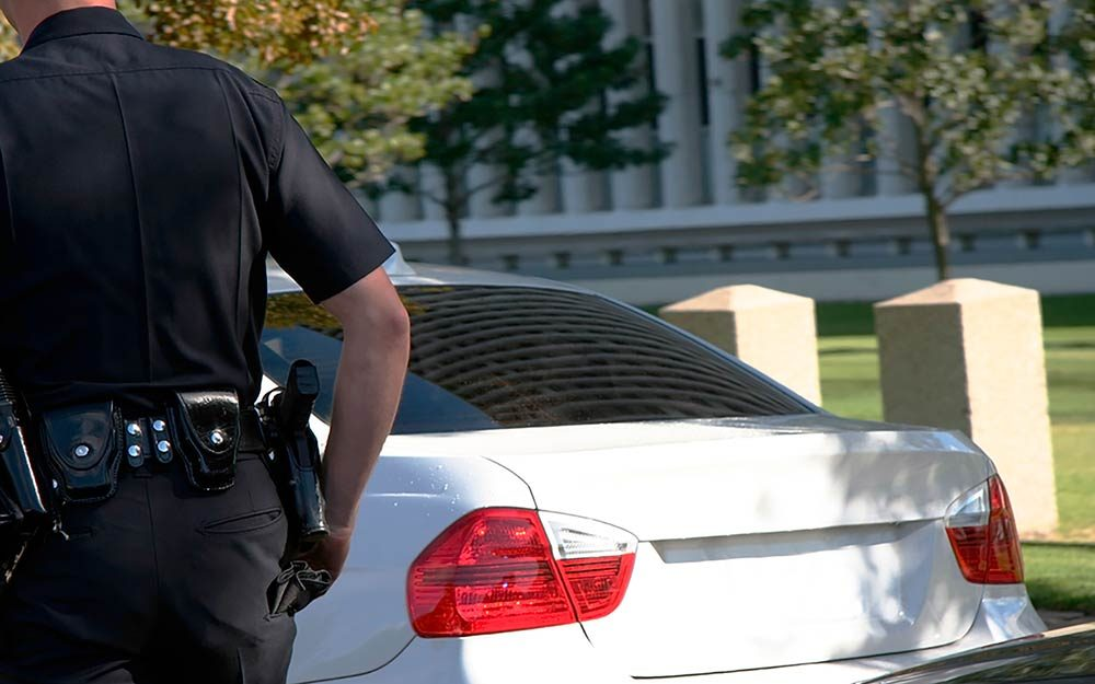 This Is Why Cops Touch Your Car's Tail Light During ...