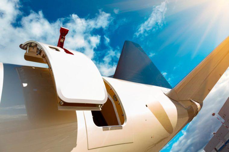 Here S What Would Happen If The Plane Door Opened Mid Flight Crayz