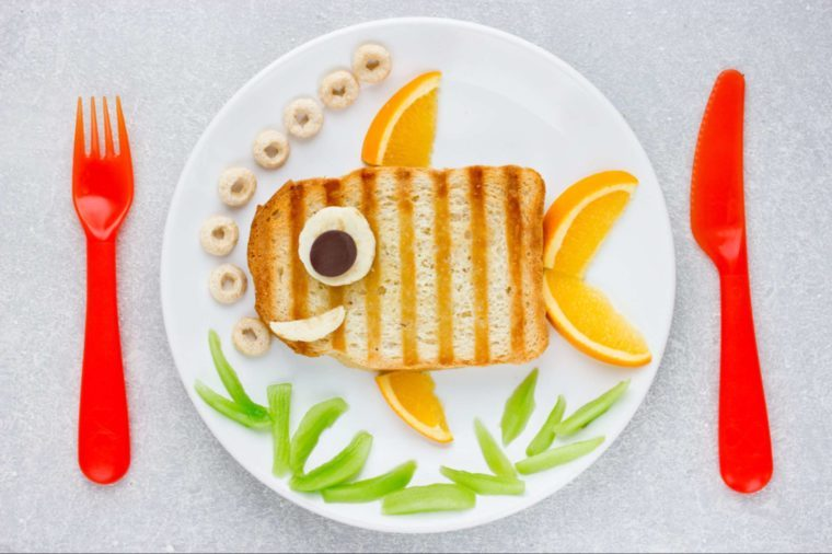 01-lunch art-Adorable Ways to Make the First Day of School Special_662907592-Anastasia_Panait