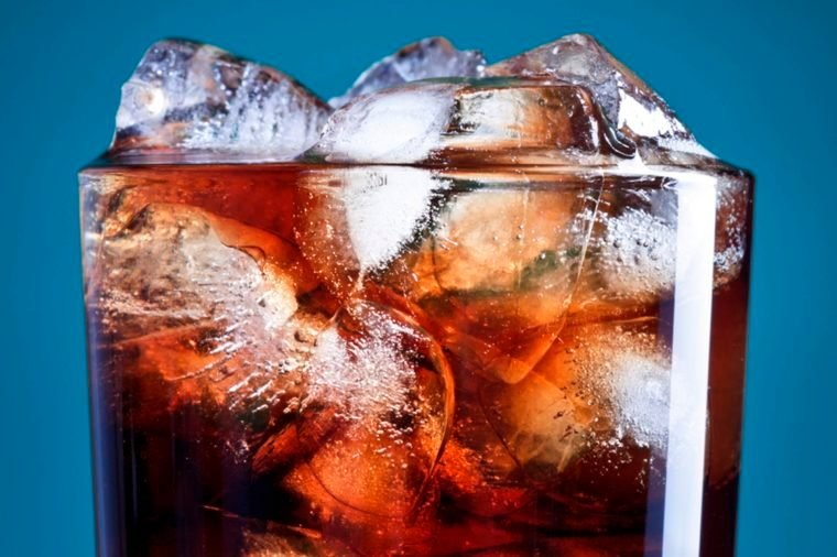 02-15 Easy Ways To Make Your Drinks Diet-Friendly_72682996