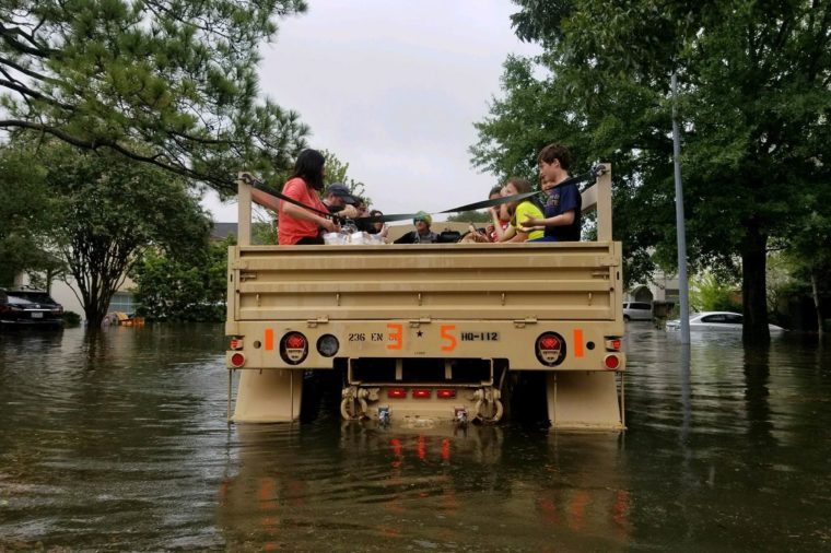 03-8-photos-of-the-most-dramatic-rescues-from-hurricane-harvey-EDITORIAL-9028400j-HANDOUT--EPA-EFE--REX-Shutterstock