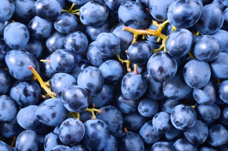 03-grapes-Fruits and Vegetables that Taste Best in the Fall_569226421-Tim UR