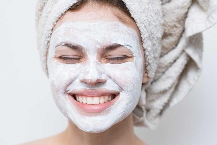 05-milagro-producto-cosas-usted-debe-nunca-nunca-hacer-a-su-piel, -Acording-to-Dermatologists_587056076-Dmitry-A
