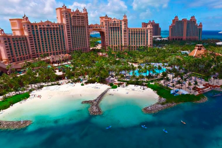 06-World's Most Outrageous Luxury Hotels and Resorts via-atlantisbahamas.com