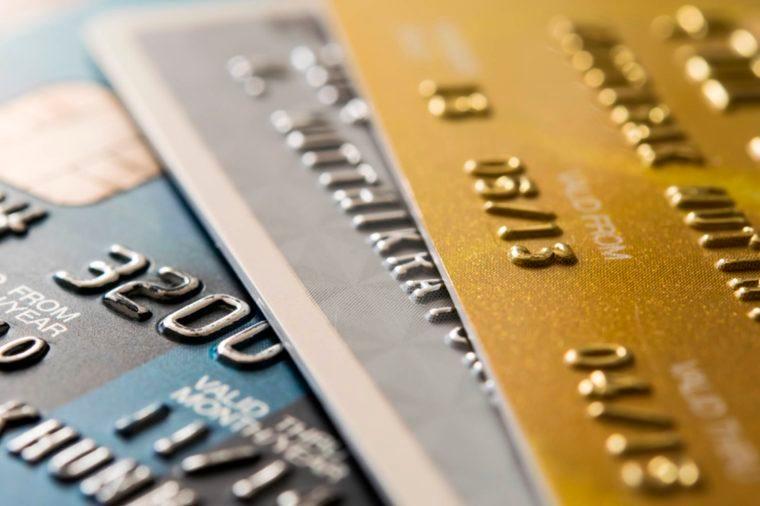 12-debit-Things An Identity Thief Won't Tell You_