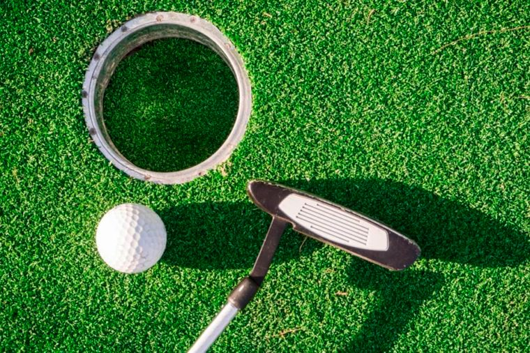 12-golf-Simple Ways to Torch 200 Calories in No Time_