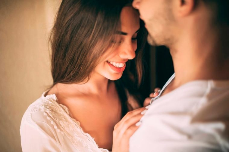 15-Simple Ways to Improve Your Sex Life _449592439-Versta