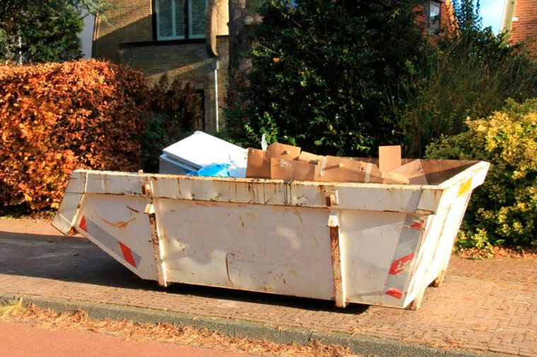 17-dumpster-Things An Identity Thief Won't Tell You_