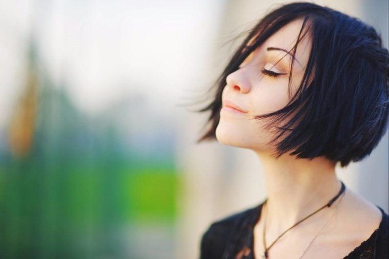 37-senses-Secrets Your Brain Wishes You Knew_534734011-sun ok