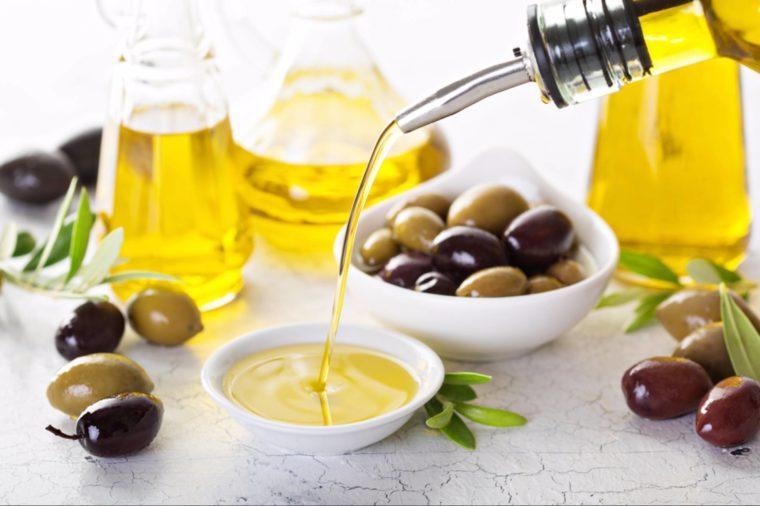 40-olive oil-Secrets Your Brain Wishes You Knew_535185700-Elena Veselova