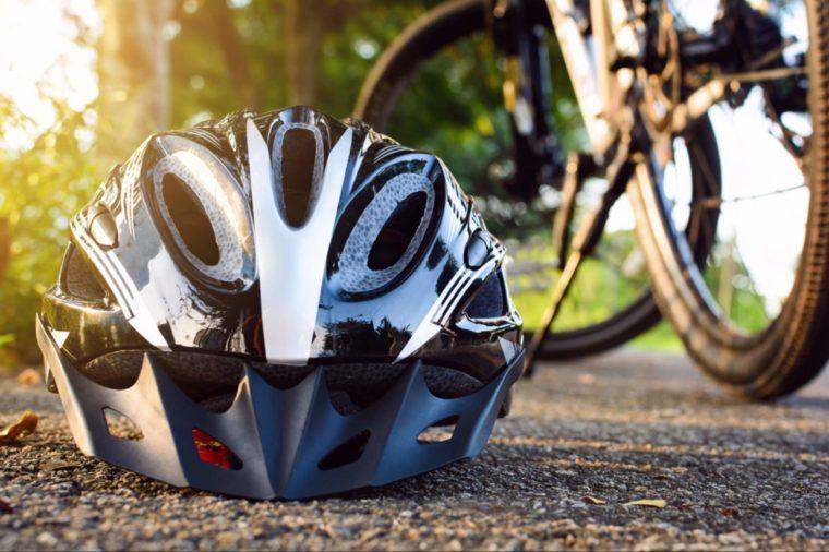 BRAIN SECRETS 44-helmet-shutterstock_662283721-Foryoui3