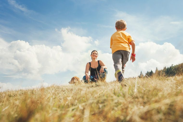 7 Ways Moms Can Ease Their Own Kindergarten Anxiety_413852725