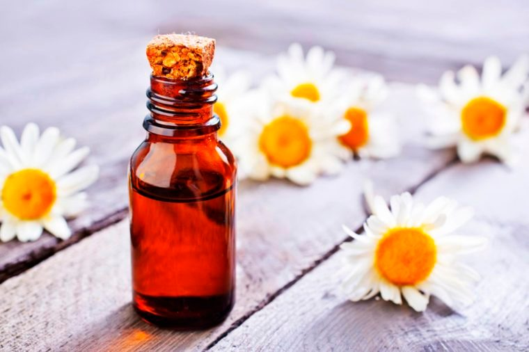 Essential Oils for a Good Night's Sleep (and 3 to Avoid)_250904179