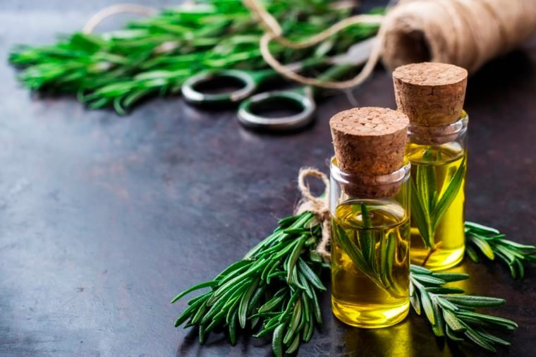 Essential Oils for a Good Night's Sleep (and 3 to Avoid)_525463633