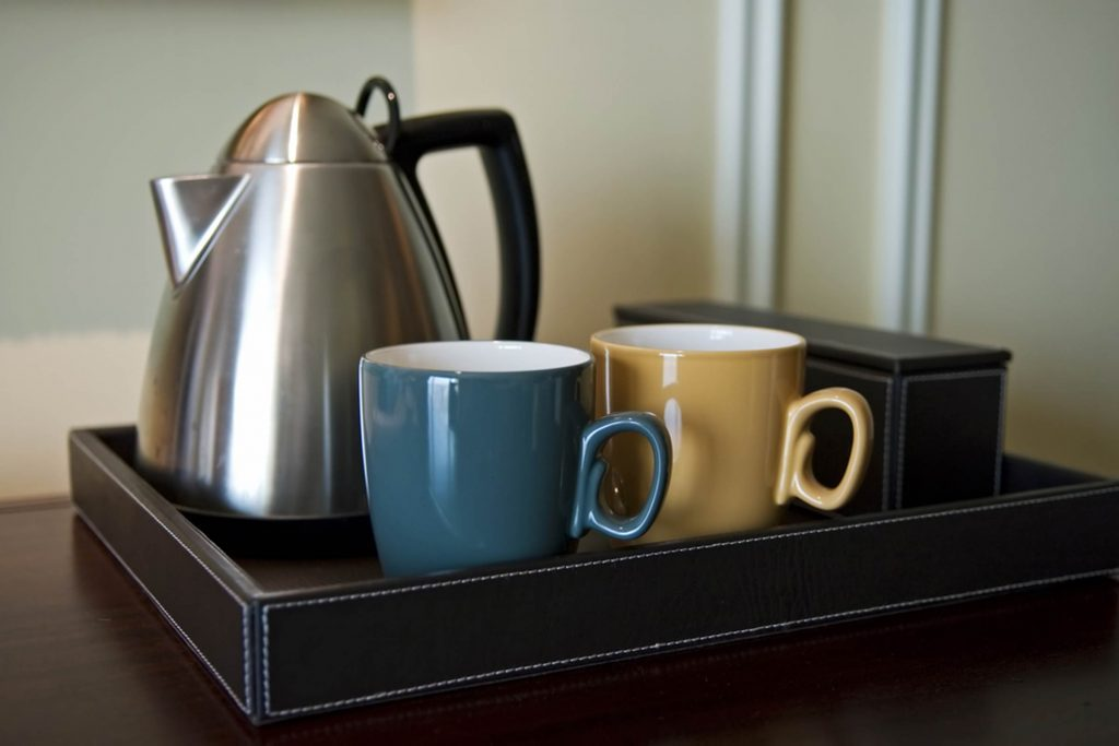 This-Is-the-Nasty-Reason-Why-You-Should-Never,-Ever-Use-the-Kettle-in-Your-Hotel-Room_12156268_Tito-Wong