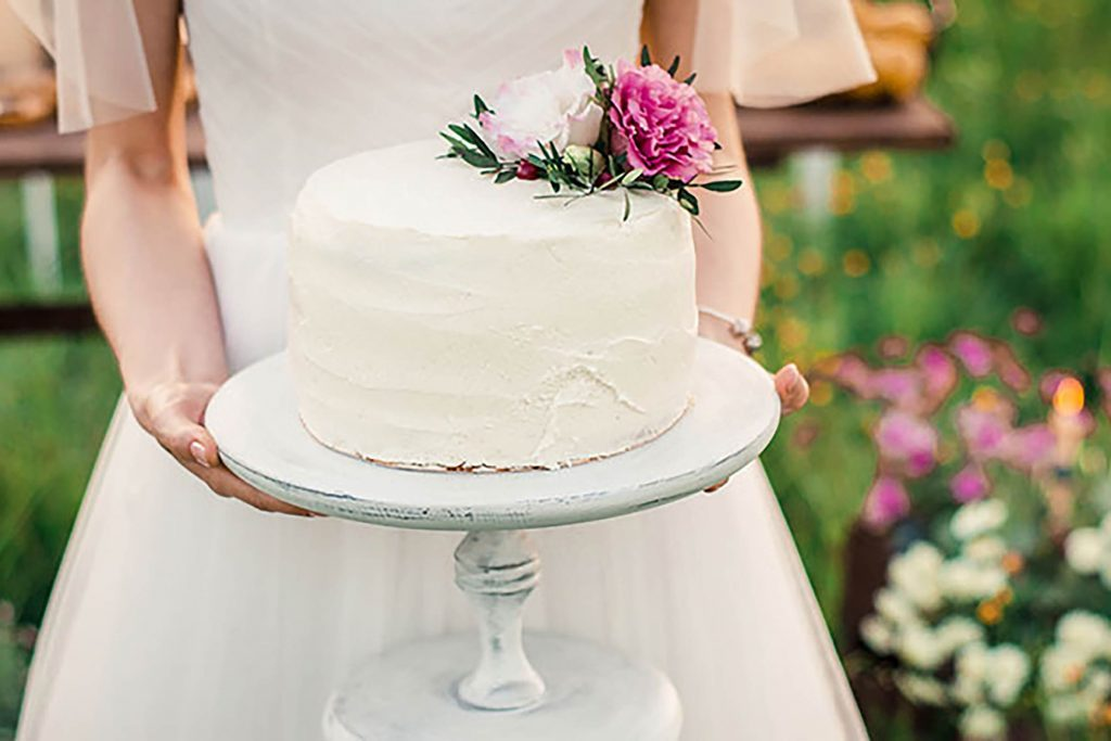 We're-Obsessed-with-this-Tradition-from-Southern-Weddings...And-You-Will-Be,-Too-shutterstock