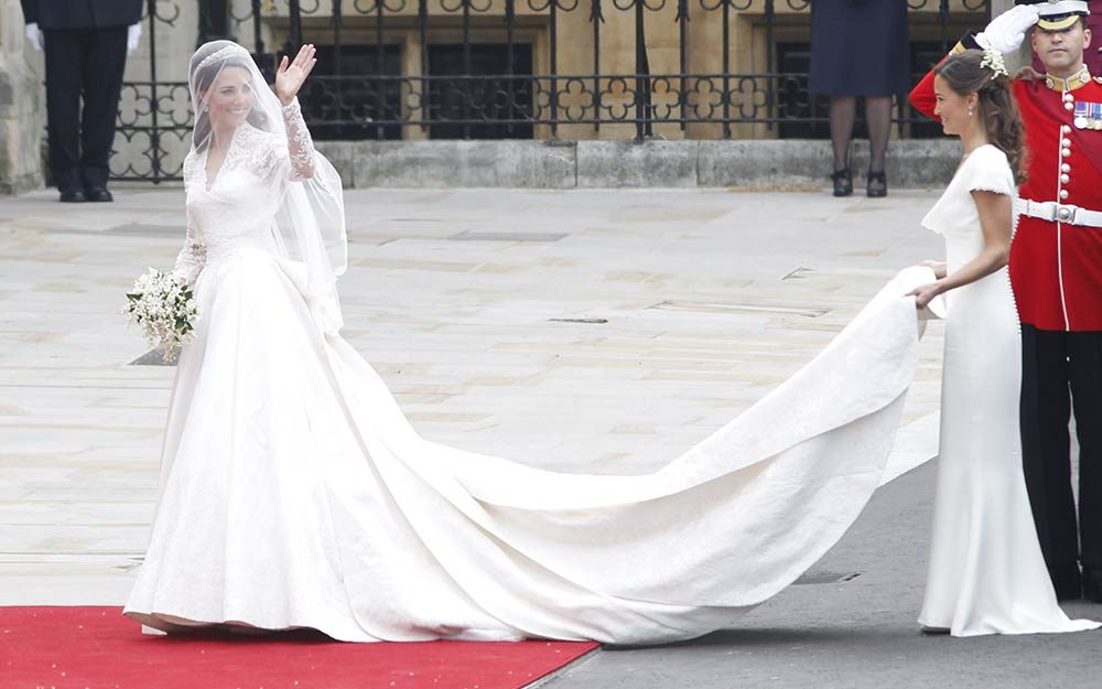 Kate Middleton S Second Wedding Dress Reader S Digest