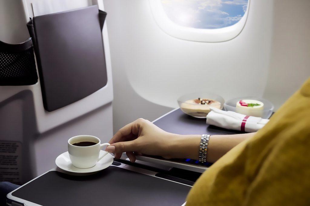 11-coffee-most-bizarre-reasons-for-flight-delays_604495997-Aureliy