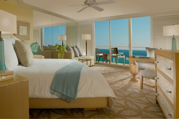 Dreamy-Hotel-Rooms-With-Views