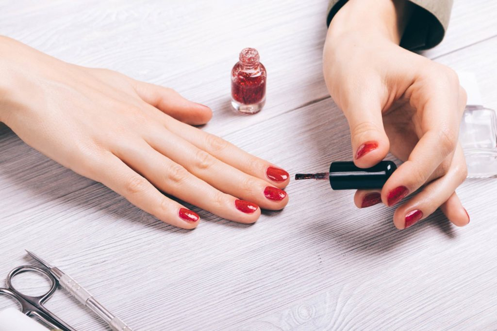 The-Scary-Thing-Nail-Polish-Does-to-Your-Body-10-Hours-After-You-Apply-It_607089008_progressman