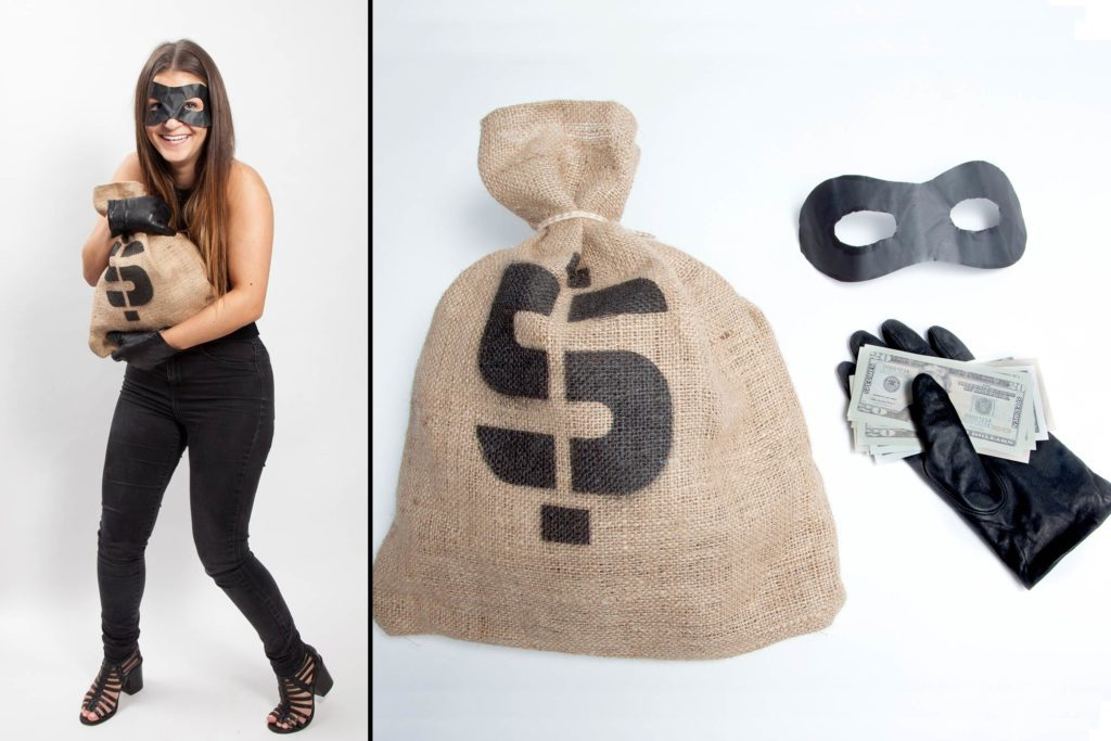 11-Genius-Halloween-Costumes-You-Can-Literally-Do-Last-Minute-Matthew-CohenRD.com