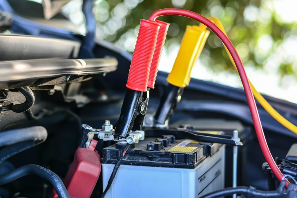 how to connect charger to car battery